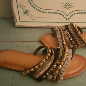 5/$20Palms Sz 7 Gray Pink Pom Pom Slide On Sandals